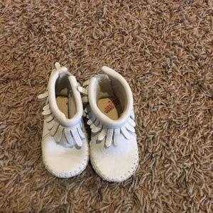 Baby girls Minnetonka mocassion bootie